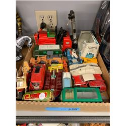 TRAY LOT OF ASST VINTAGE DIE CAST VEHICLES