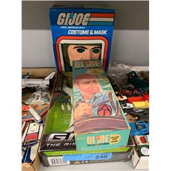 TRAY LOT OF VINTAGE 3 X GI JOE TOYS