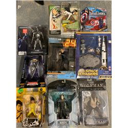 BOX LOT OF MISC TOYS/FIGURINES
