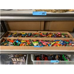 HUGE SHELF LOT OF COLLECTIBLE HOT WHEELS