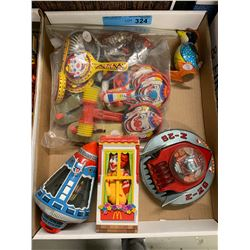 TRAY LOT OF VINTAGE TIN TOYS