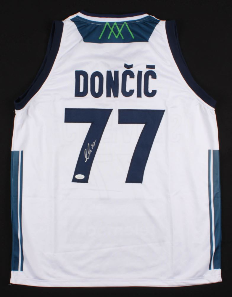super popular 35252 654e4 Luka Doncic Signed Slovenija Real Madrid Jersey (JSA COA)