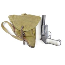 ROMANIAN 26.5MM FLARE PISTOL WITH CARRYING CASE