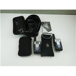 COBRA WALKIE TALKIE'S WITH POUCHES AND BATTERIE CHARGER