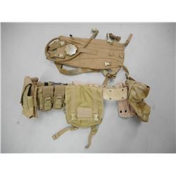 US MILITARY TACTICAL BELT AND HYDRATION SYSTEM.