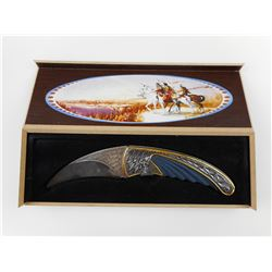 COLLECTABLE FOLDING KNIFE IN BOX