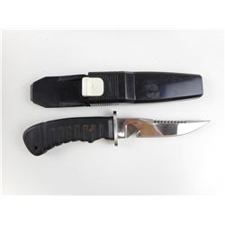 FIXED BLADE KNIFE WITH PLASTIC SCABBARD