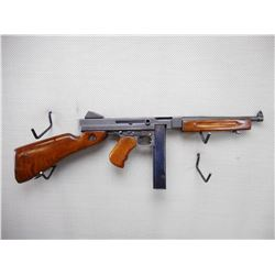 THOMPSON , MODEL: M1A1 , CALIBER: 45 ACP