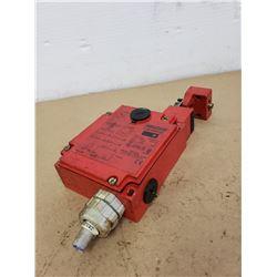 Yamatake LJS-E83127 Interlock Safety Switch