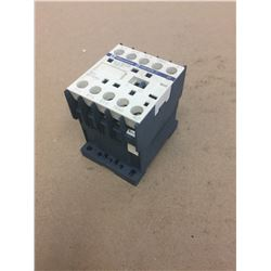 TELEMECANIQUE CONTACTOR ** see pics for part number **