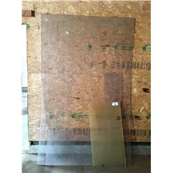 LEXAN PLEXIGLASS 5'X8' SHEET & 2 SMALL PIECES