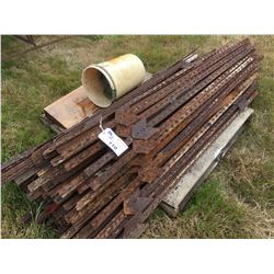 PALLET LOT OF STEEL FENCE POSTS WITH ATTACHMENT CLIPS
