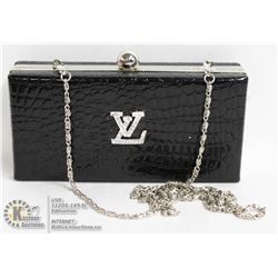 REPLICA BLACK LOUIS VUITTON CLUTCH