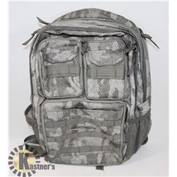 EDDIE BAUER CAMOUFLAGE BACKPACK