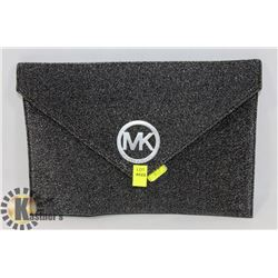 MICHAEL KORS REPLICA ENVELOPE BAG BLACK AND SILVER
