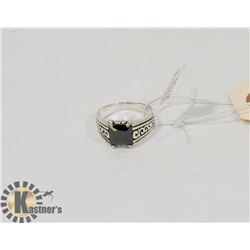 STERLING SILVER BLACK ONYX RING SIZE 9.