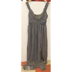 SIZE LARGE LIGHT GREY CHIFFON SUMMER DRESS FLOOR