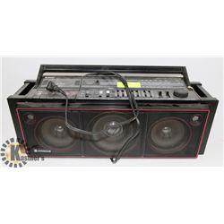 HITACHI TAPE PLAYER AND RADIO BOOM BOX