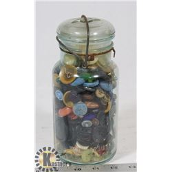 VINTAGE BUTTONS IN MASON JAR