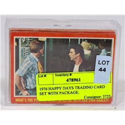 1976 HAPPY DAYS TRADING CARD SET WITH PACKAGE.
