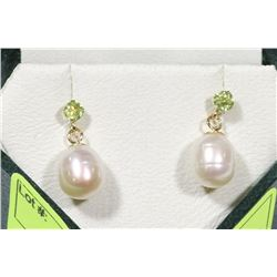 14KT YELLOW GOLD PERIDOT & PEARL EARRINGS.