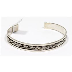 STERLING SILVER WITH INLAY BRAID DESIGN BRACELET.