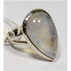STERLING SILVER MOONSTONE RING SIZE 7.