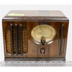 NORTHERN ELECTRIC 1937 ANTIQUE RADIO.