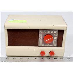 WESTINGHOUSE 1947 ANTIQUE RADIO.