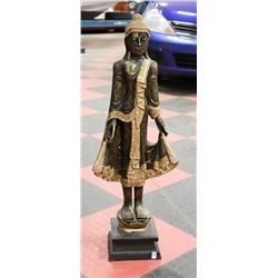 MIDDLE EASTERN STATUE WITH ORNATE ACCENTS