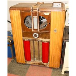 1938 MILLS BROADWAY JUKEBOX.