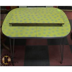ANTIQUE ARBORITE KITCHEN TABLE WITH EXTENSION