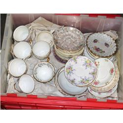TOTE OF VARIOUS CHINA CUPS AND SAUCERS