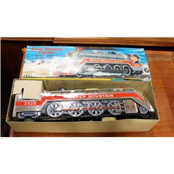 1950S JAPANESE TIN TRAIN IN BOX.