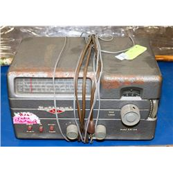 1950S SHORT VALVE RADIO MADE BY NATIONAL.