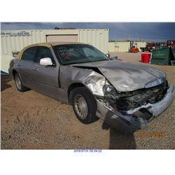 2001 - LINCOLN TOWN CAR