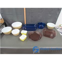 Variety of Pyrex and Anchor Kitchen Ware