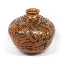 Mata Ortiz Pottery Jar by Lucie Soto