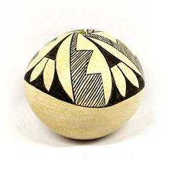 Vintage Acoma Pottery Seed Jar by A.L. Chino