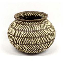 Beautiful Panamanian Wounaan Basket