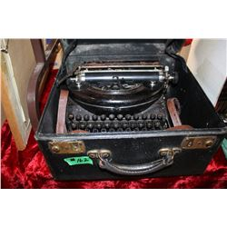 Vintage Remington Portable Typewriter - in a Case (Made in Canada)  ***Heavy