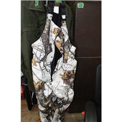 Pr of Yukon Insulated Camo Overalls - Size XXL