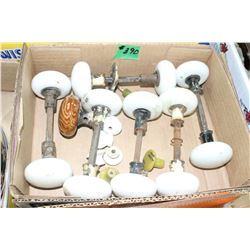 Box with Porcelain Door Knobs (6 Sets)