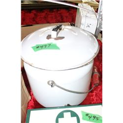 Parlor Pail with Lid