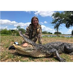 ALLIGATOR FOR A YOUTH HUNTER IN FLORIDA