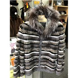 Ladies Fox/Rabbit combination jacket w/fox trim hood