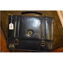 Black leather Mignon France messenger bag