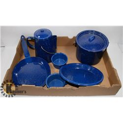 FLAT OF CAMPING COOKWARE