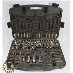 CASE WITH ASSORTED SOCKETS