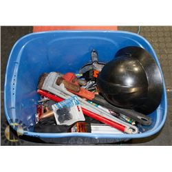 TOTE ASST TOOLS INCL 2 HEAVY DUTY PIPE WRENCHES.